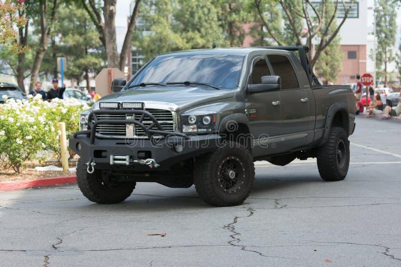 Download Dodge Ram Pickup Su Esposizione Fotografia Stock Editoriale - Immagine di sport, lusso: 56877378