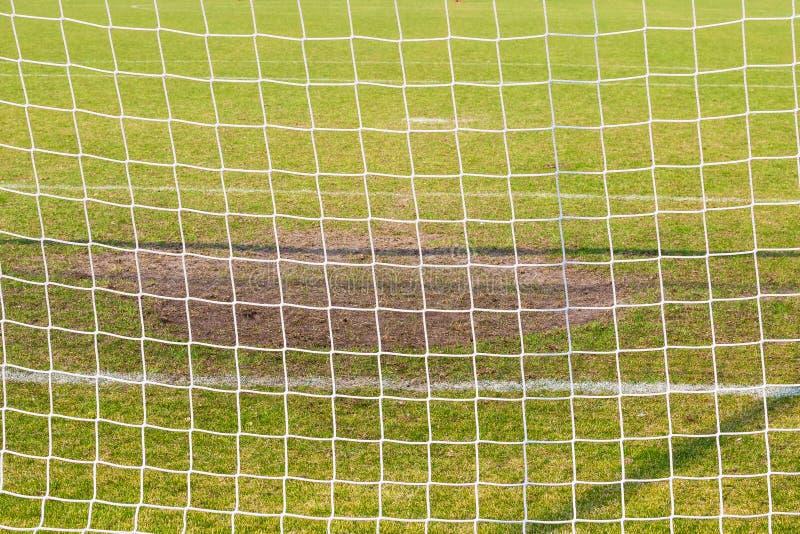 Doel netto op het voetbalgebied stock afbeeldingen