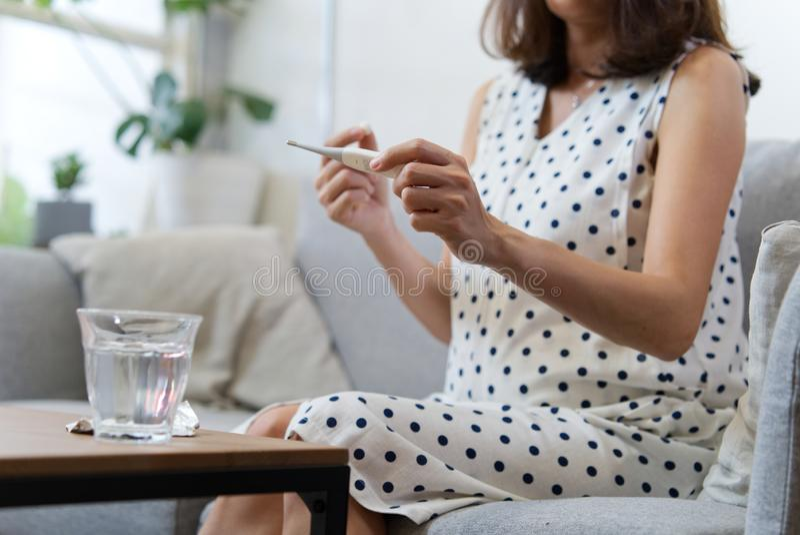 Doença da mulher gravida Interesse saudável foto de stock