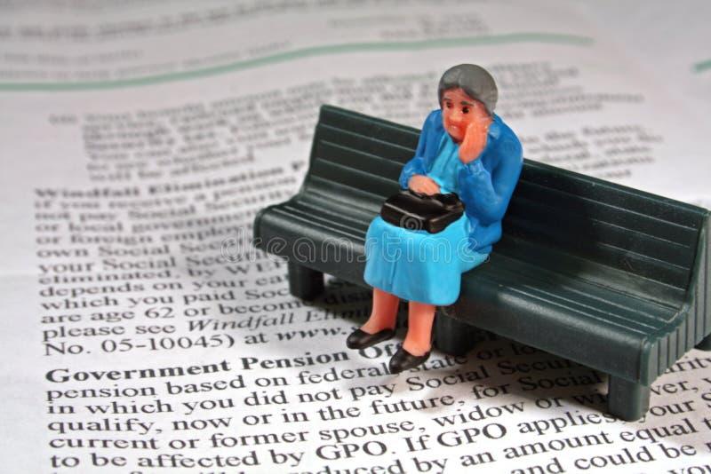 Doen schrikken hogere vrouw - pensioen stock foto's