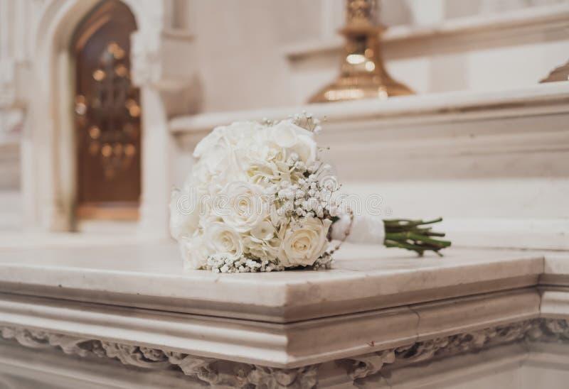 dof ανθοδεσμών κεντρικός γάμος τριαντάφυλλων σημείου λουλουδιών εστιακός χαμηλός στοκ φωτογραφίες με δικαίωμα ελεύθερης χρήσης