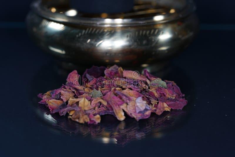 Doftande harz erbjuds vanligt i dess kådaform royaltyfria foton
