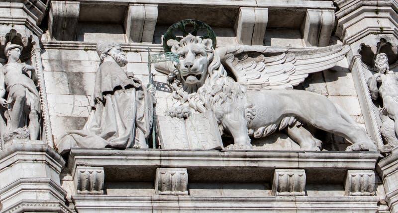 Doge e leão de ajoelhamento de Veneza fotos de stock royalty free