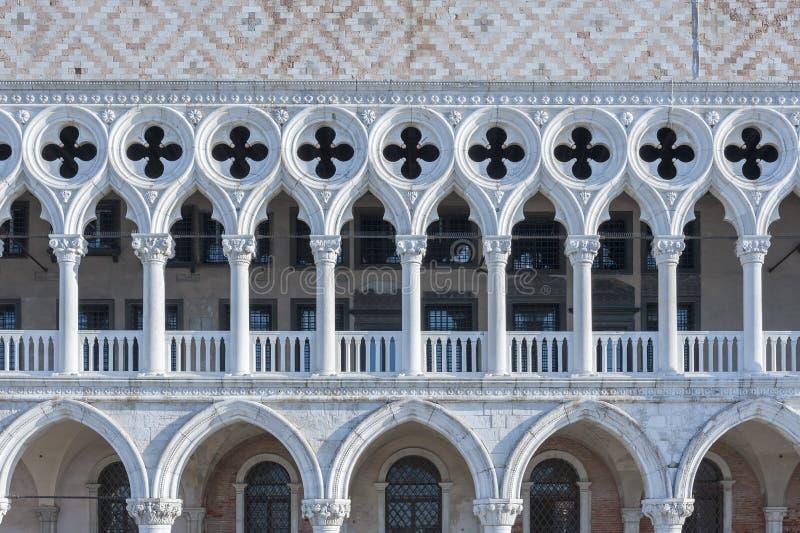 Doge` s paleis in St Teken` s Vierkant in Venetië, Italië stock afbeeldingen