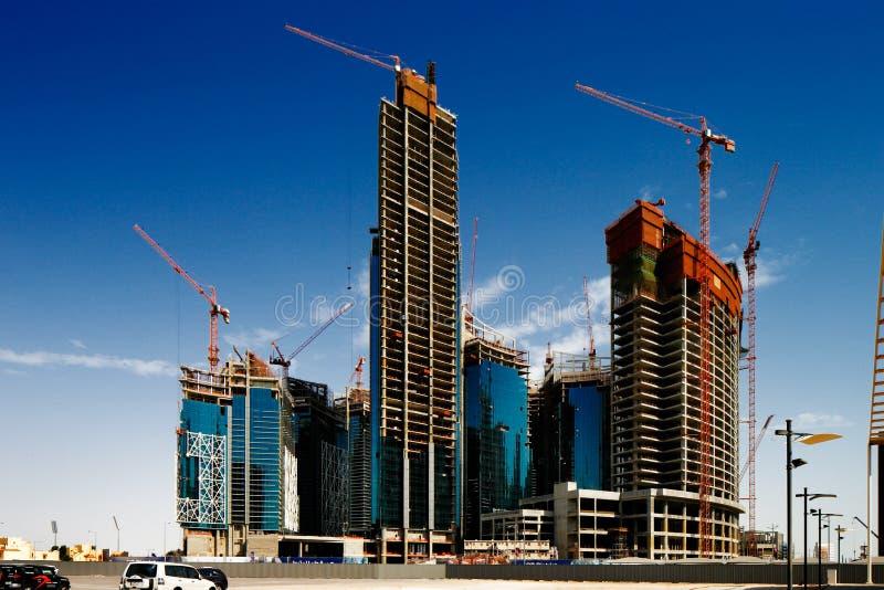 Doha, Catar está expandindo rapidamente para o campeonato do mundo 2022 de FIFA fotografia de stock