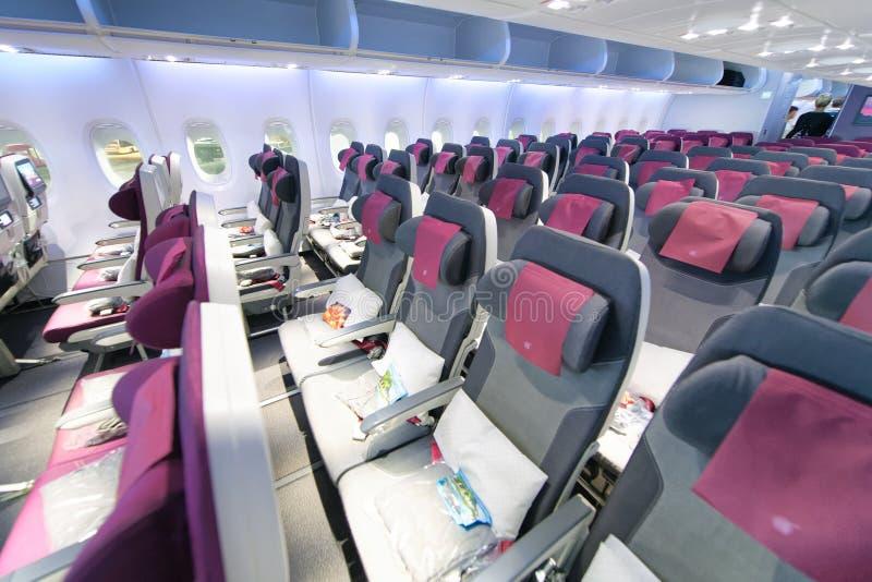 DOHA QATAR - AUGUSTI 17, 2018: Inre av flygbussen A380 Det är th arkivbild