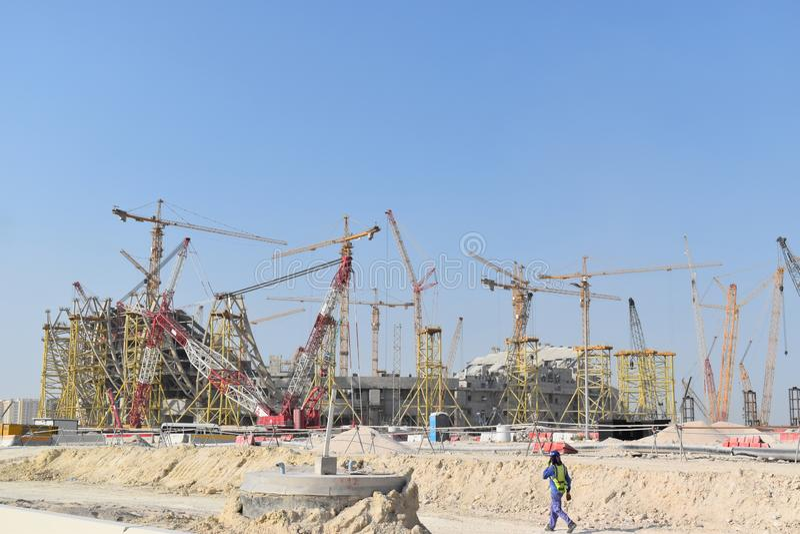 Doha qatarisk framtida stadion under konstruktion för den Qatar fotbollvärldscupen 2022 royaltyfria bilder