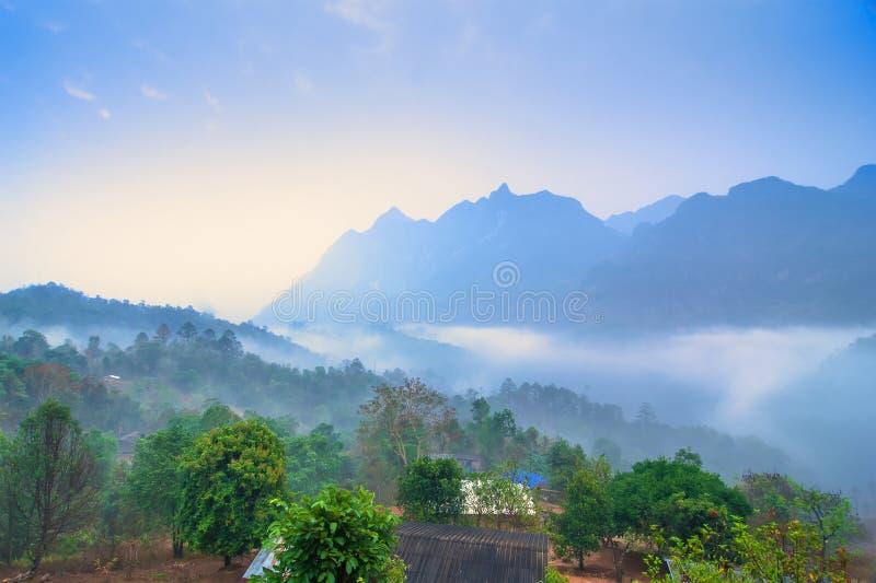 Doi Luang Chiang Dao est topten du voyage dans le nord de la Thaïlande, B photo stock