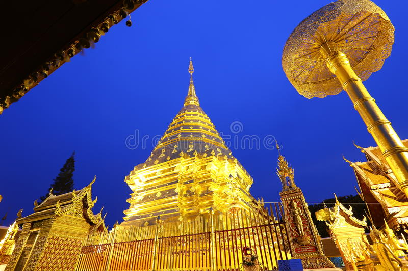 Doi Suthep ou le temple de la relique sainte de Doi Suthep photo libre de droits