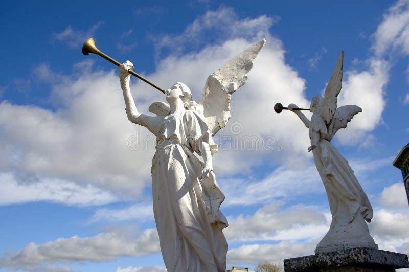 Dois anjos de pedra fotografia de stock royalty free