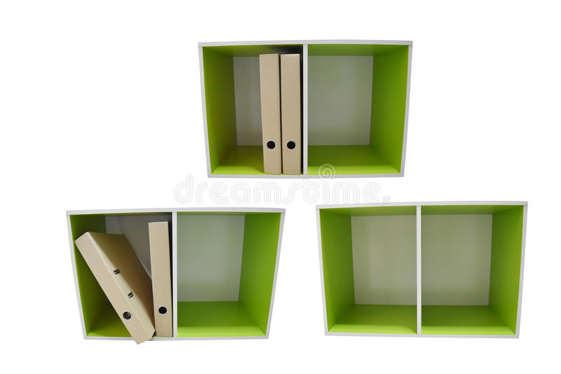 Dois armários verdes em um arquivo dianteiro da perspectiva e de original, isolado no fundo branco com trajeto de grampeamento imagens de stock