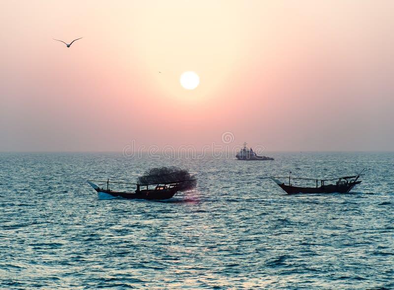 Dois barcos de pesca árabes imagens de stock