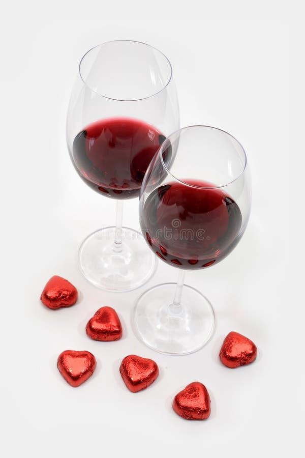 Dois cálices com vinho vermelho imagem de stock royalty free