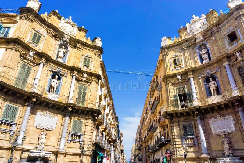 Dois cantos do Quattro Canti quatro Cornes em Palermo, Itália fotografia de stock royalty free