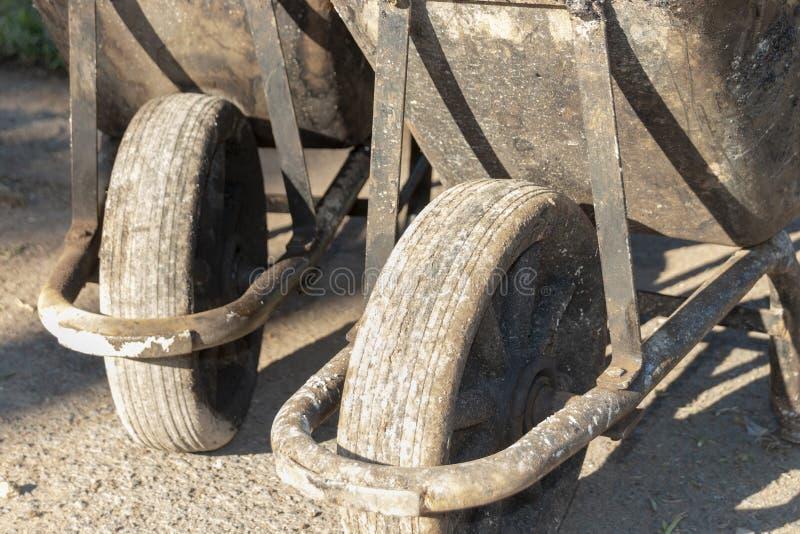 Dois carrinhos de m?o de roda foto de stock