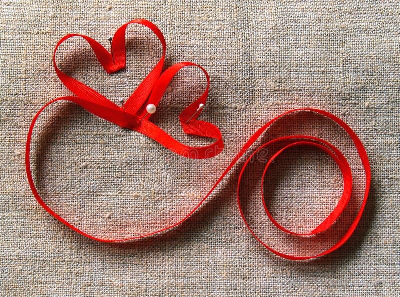 Dois corações e fechamentos fotografia de stock