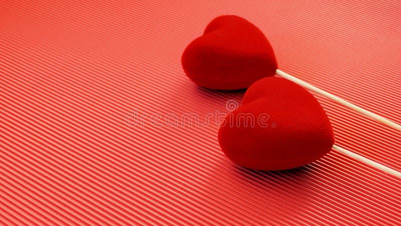 Dois corações vermelhos de veludo em uma superfície vermelha do cartão Cartão dos cumprimentos do dia de Valentim do St Dia do `  fotografia de stock royalty free