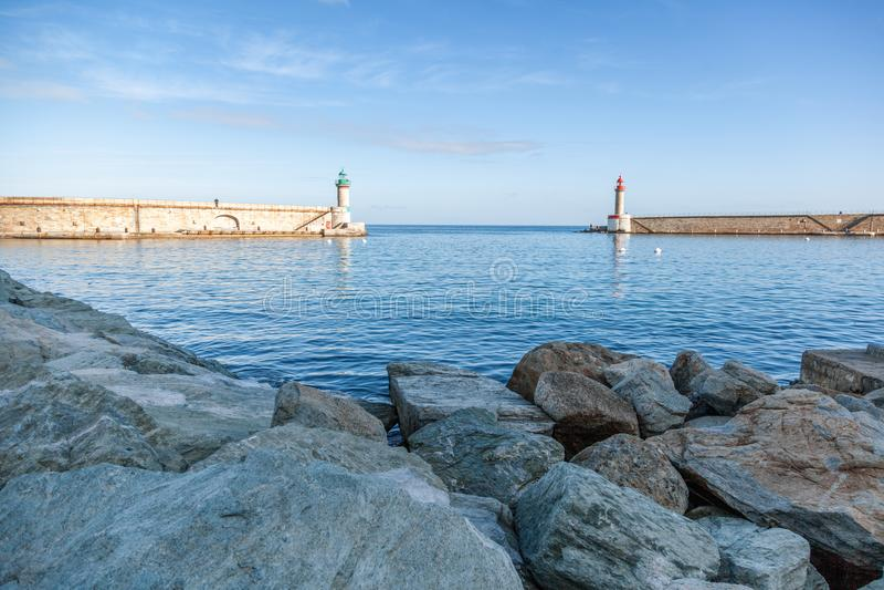 Dois faróis no porto de Bastia, França, a ilha do núcleo fotografia de stock