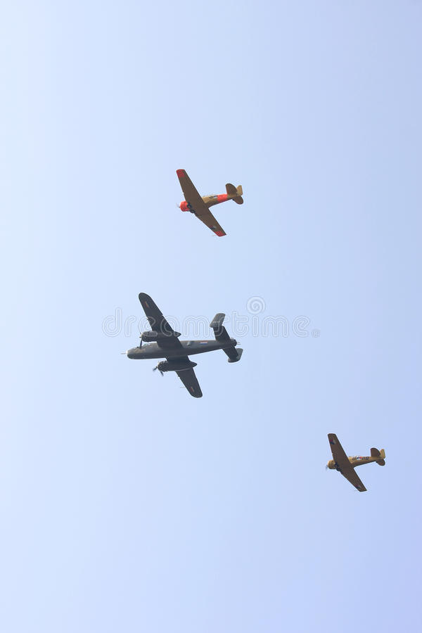 Dois Harvards e um plano do Spitfire fotografia de stock royalty free