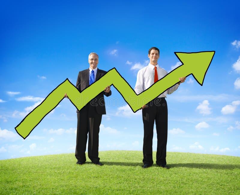 Dois homens de negócios que expressam conceitos da positividade fotografia de stock