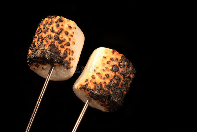 Dois Marshmallows Roasted fotografia de stock royalty free