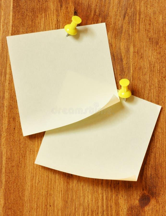 Dois papéis de nota em branco fotografia de stock
