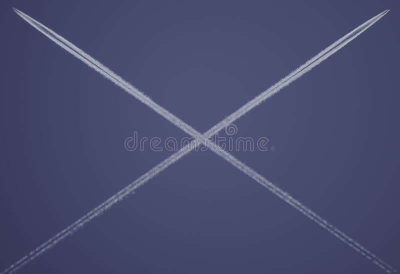 Dois planos que cruzam e que formam um x Digital alterada fotografia de stock royalty free