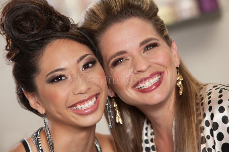 Dois senhora bonita amigos fotos de stock royalty free