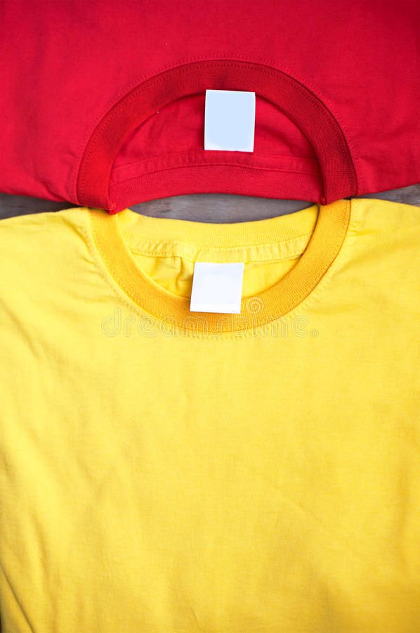 Dois t-shirt fotografia de stock