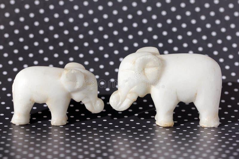Dois Toy Elephants fotografia de stock royalty free