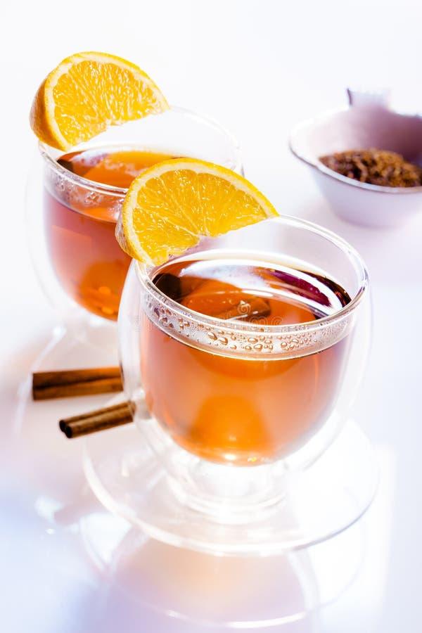 Dois vidros do chá fotografia de stock royalty free