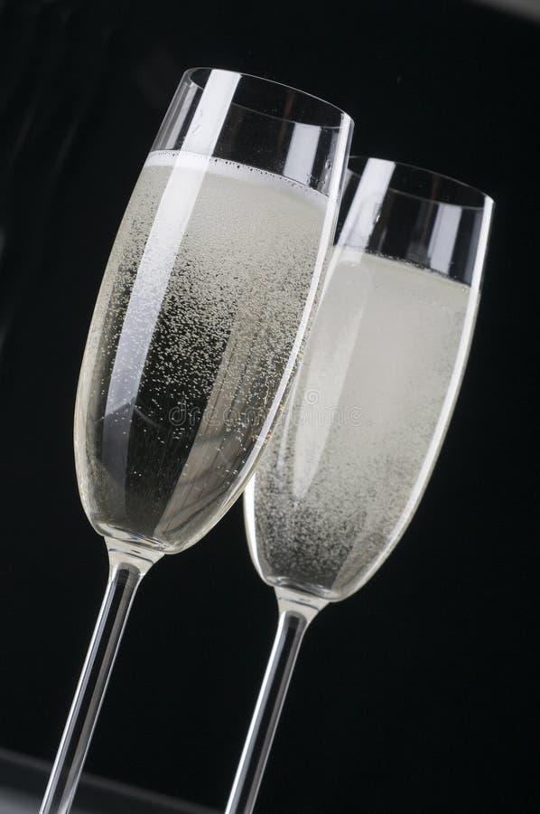 Dois wineglasses do champanhe fotos de stock
