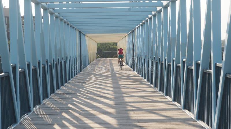 Dojeżdżać do pracy Do domu na rowerze Po pracy zdjęcie stock