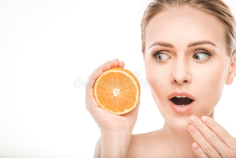 Dojrzała kobiety piękna opieka zdrowotna odizolowywająca na bielu obrazy stock