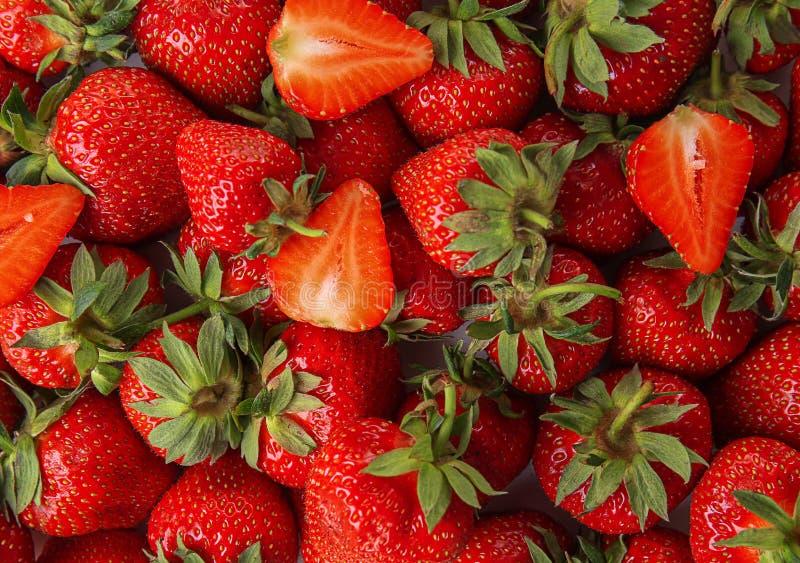 Dojrzałe czerwone truskawki jako tło zdjęcie stock