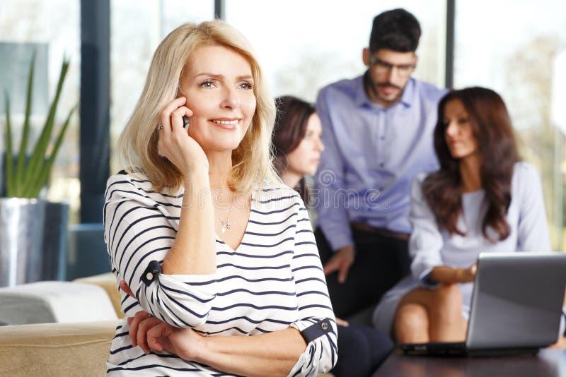 Dojrzały biznesowej kobiety portret zdjęcia stock