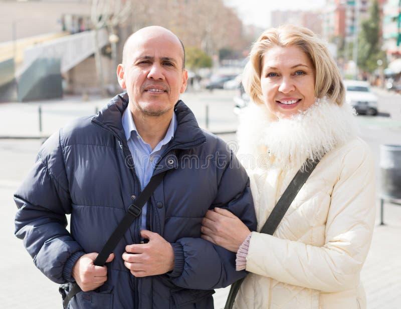 Dojrzały mąż outdoors i żona obrazy royalty free