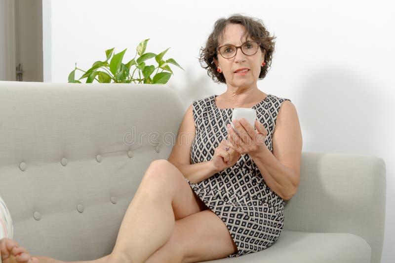 2 11 16 dojrzala prostytutka lubi do buzi - 1 8