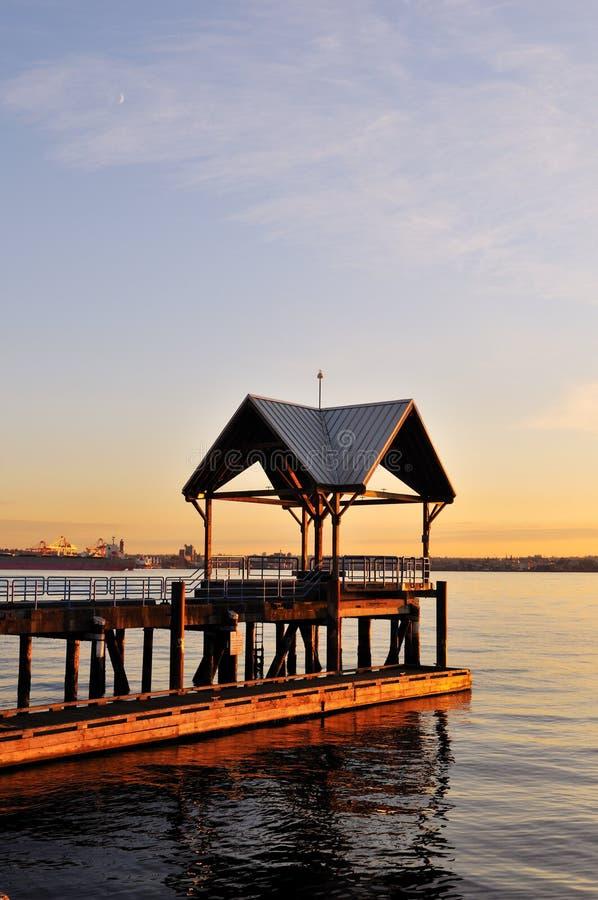 Dok bij waterkantpark, Noord-Vancouver stock afbeeldingen
