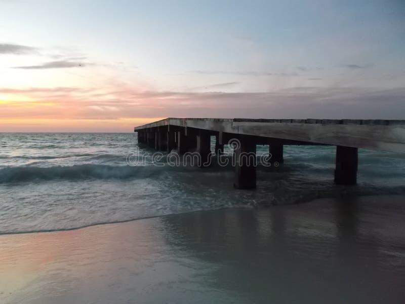 Dok camineriw zonsondergang op dok stock fotografie