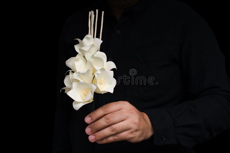 Dok Mai陈 在葬礼期间使用的泰国人造花 免版税库存图片