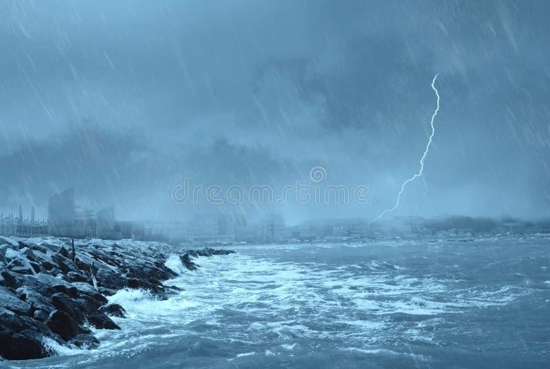 dok zły pogoda obrazy royalty free