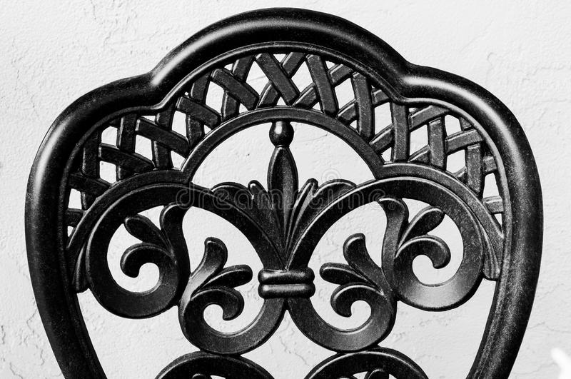 Dokonanego żelaza krzesło Z powrotem w Czarny I Biały zdjęcie stock