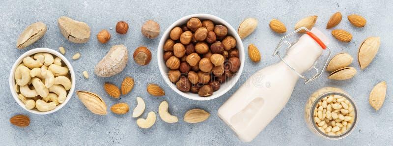 Dokrętka dojni i różnorodni składniki Nabiał uwalnia, żadny laktoza zdjęcia royalty free