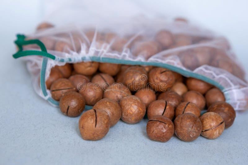 Dokrętki w życzliwy pakować Reusable torby dla warzyw i owoc Robi? zakupy w sklepie ?yczliwy pakowa? Dba? dla zdjęcia royalty free