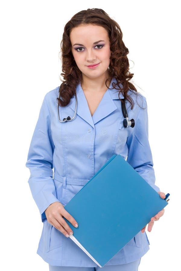 Doktor för ung kvinna som visar den tomma tomma skrivplattan arkivbilder