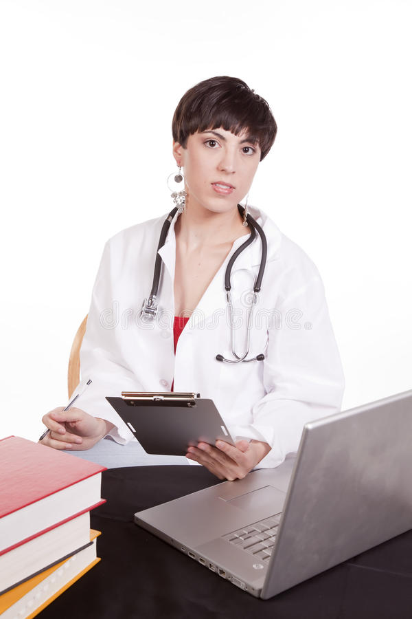 Doktor mit Diagramm lizenzfreie stockbilder