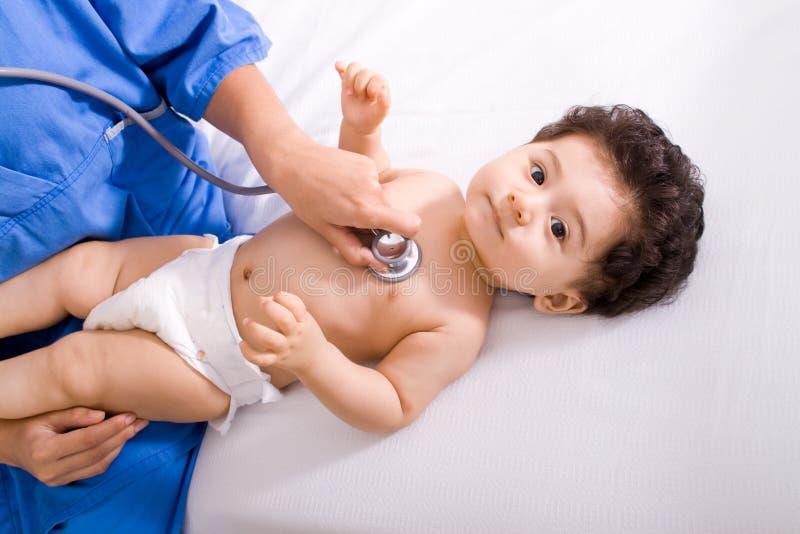 Doktor mit Schätzchen stockfotos