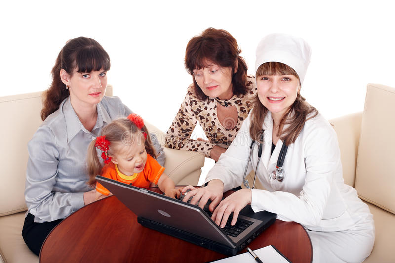 Download Doktor Mit Stethoskop Und Familie. Stockfoto - Bild: 16887830