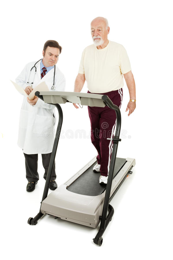 Doktor Monitors Senior auf Tretmühle lizenzfreies stockfoto